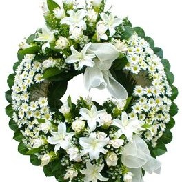 White Funeral Wreath - Sympathy-Wreaths on www.flowerstoukraine.com